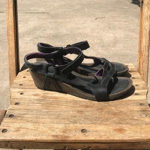 Teva Wedge Sandal Size 9 Very Comfy EUC
